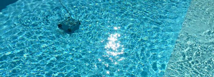 Robot piscine KWADOO - Nettoyage du fond
