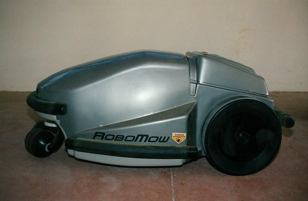 Robomow Classique - Le premier robot tondeuse de la marque Robomow
