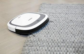 Deebot SLIM 2 - nettoie moquette et tapis