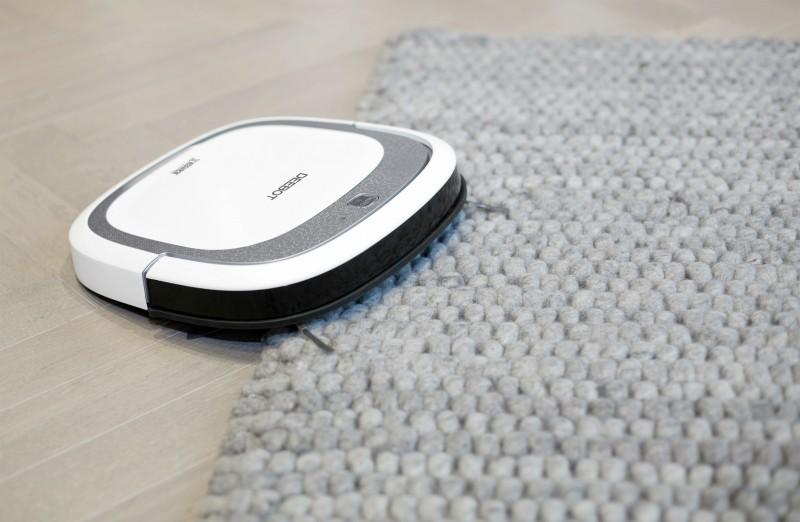 Deebot SLIM V2 - nettoie moquette et tapis