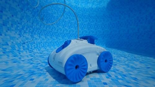 Robot de piscine lectrique 8streme j2x bestofrobots for Robot piscine hors sol zyke
