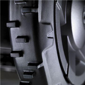 larges roues automower husqvarna