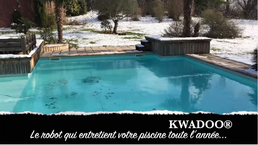 Robot De Piscine électrique KWADOO BestofRobots - Carrelage piscine et tapis de souris personnalisé rond