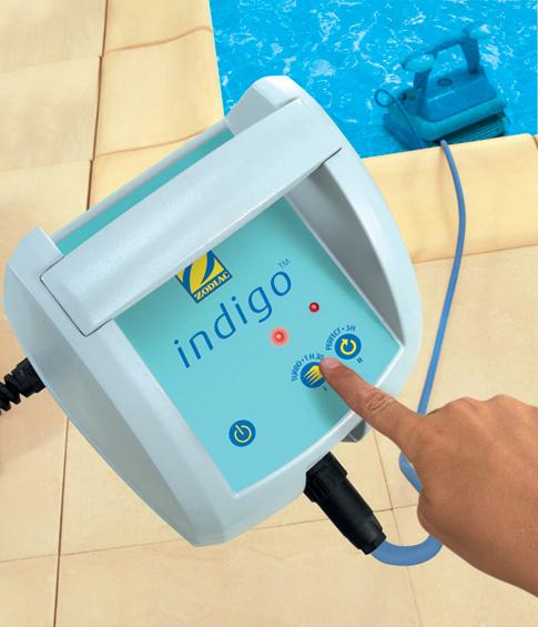 Robot de piscine zodiac indigo chariot bestofrobots for Robot piscine enterree