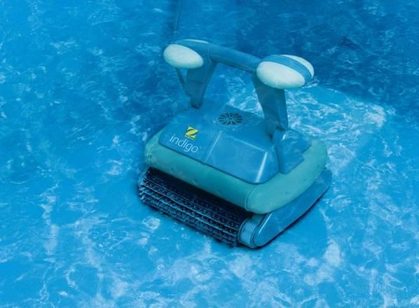 Robot de piscine zodiac indigo chariot bestofrobots for Robot aspirateur piscine autonome