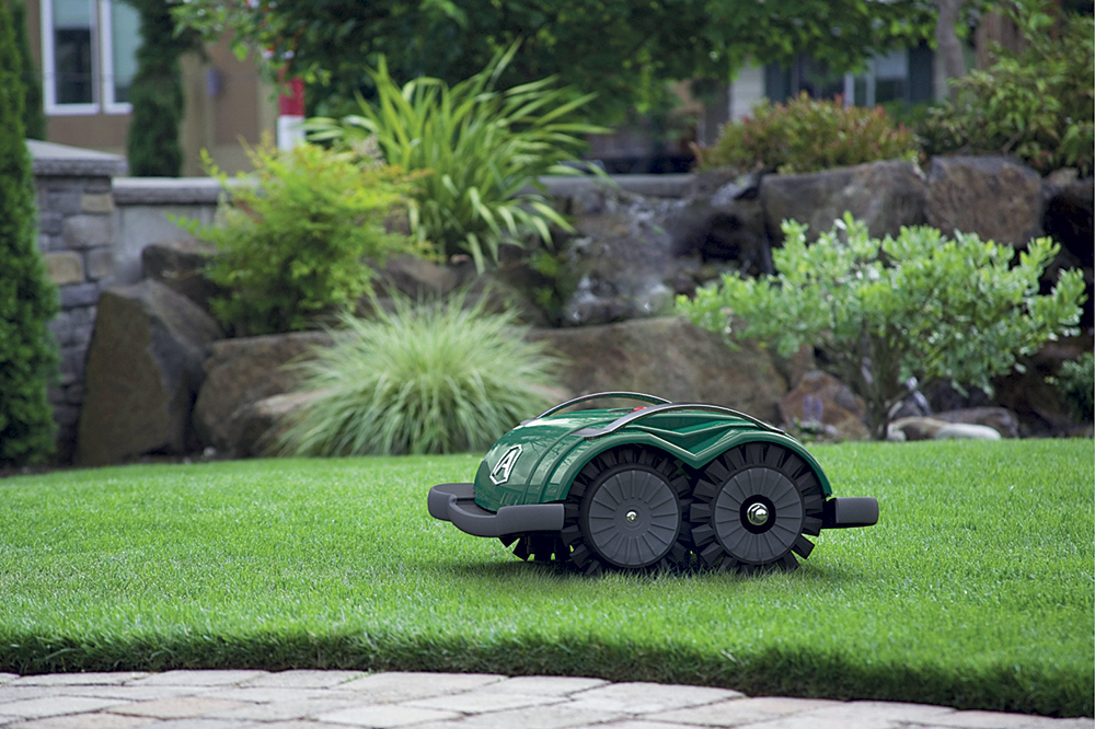 robot tondeuse zucchetti ambrogio l60b bestofrobots. Black Bedroom Furniture Sets. Home Design Ideas